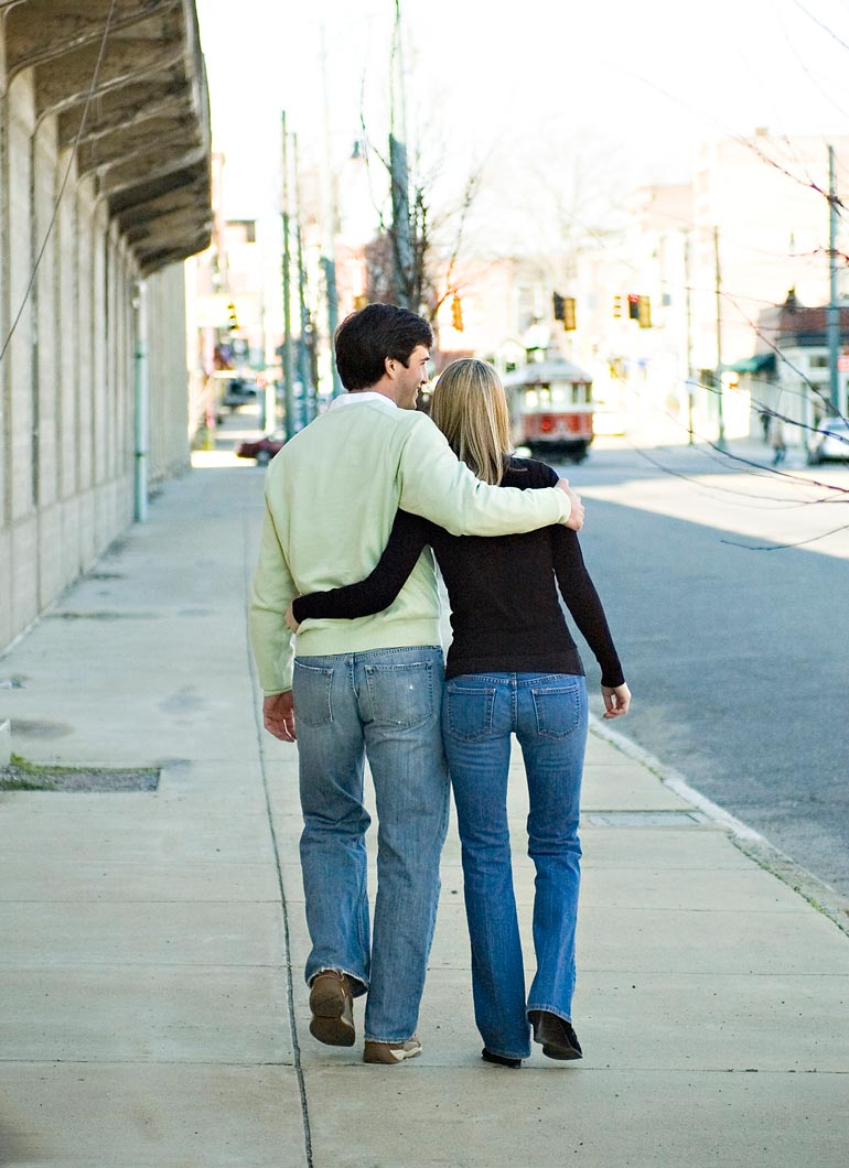 COUPLE-WALKING-ON-MAIN-STREET